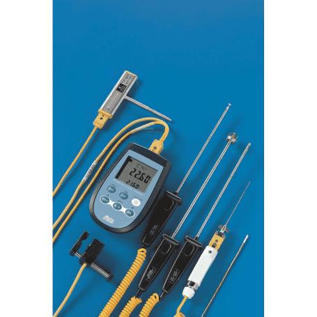 Dwukanałowy termometr termoparowy DeltaOHM HD2328.0 - widok z czujnikami termoparowymi