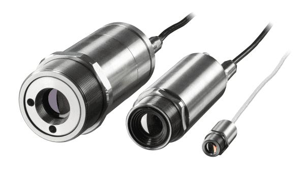 Porównanie wymiarów kamery Xi wymiarami tradycyjnych pirometrów