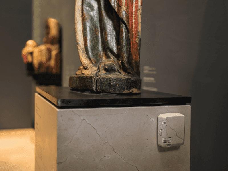Kontrola i dokumentacja warunków otoczenia podczas wystaw